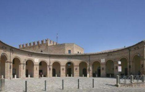 Piazza maggiore Mondaino