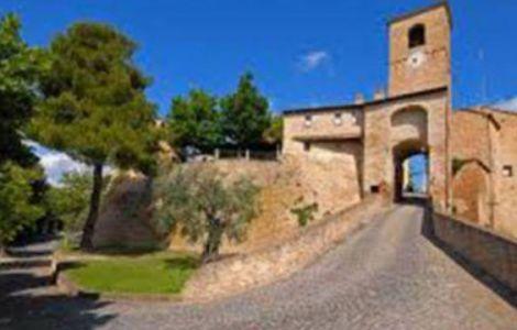 Montegridolfo ingresso al borgo